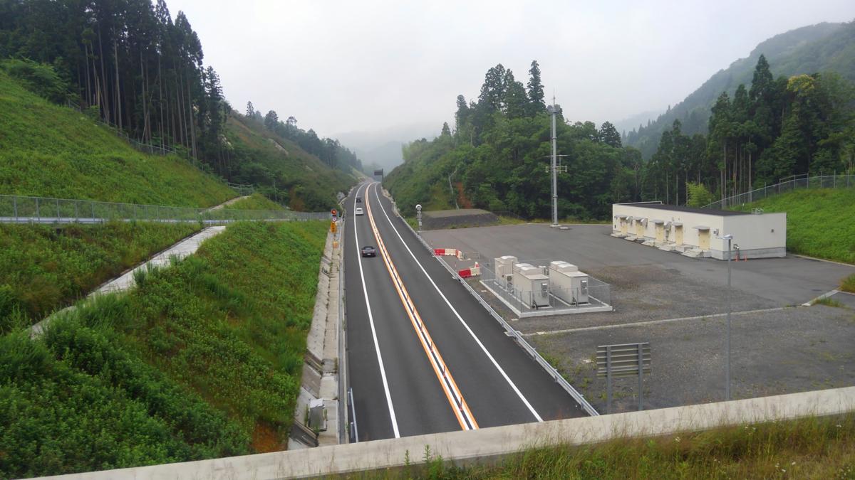 京都縦貫道の上から