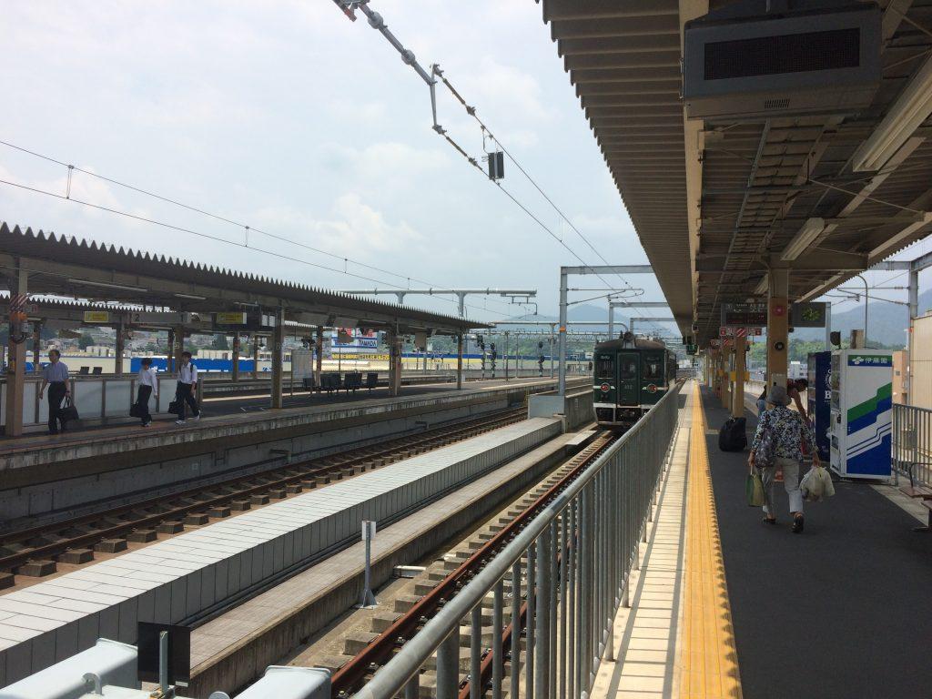 福知山駅で丹鉄宮福線に乗り換えます。駅員さんがすごく親切でした。