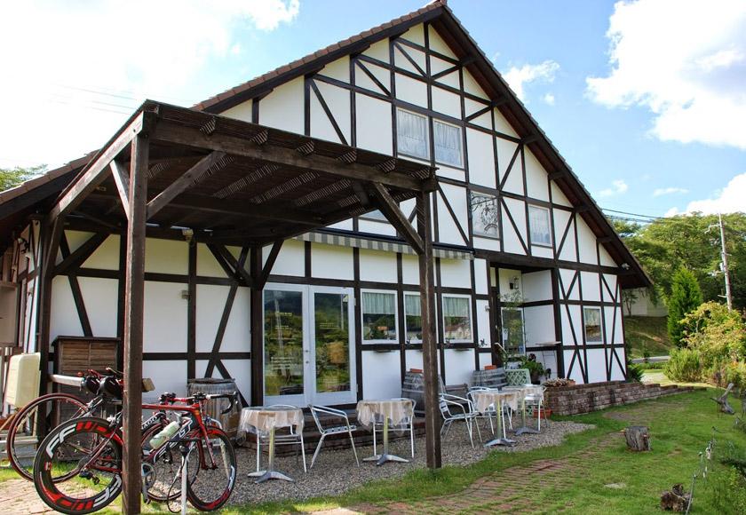 お気に入りのパン屋「ゾンネ・ウント・グリュック」好きすぎてパン屋さんがある町へ移住しました(笑)