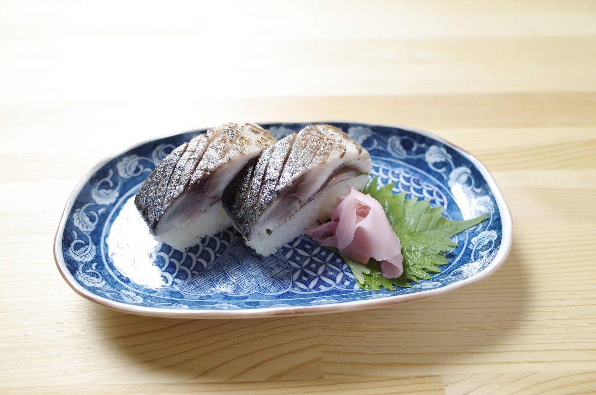 予約限定の鯖寿司(3,000円)脂の乗る秋冬はさらに美味しい肉厚〜♪
